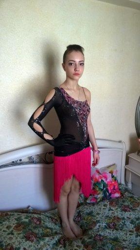 Латина платья черное с
