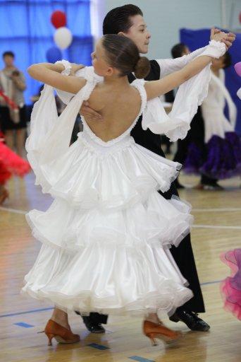 Спортивно-бальные танцы платья стандарт